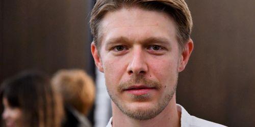 Photo of Сын Ефремова рассказал об алкоголизме и попытке суицида