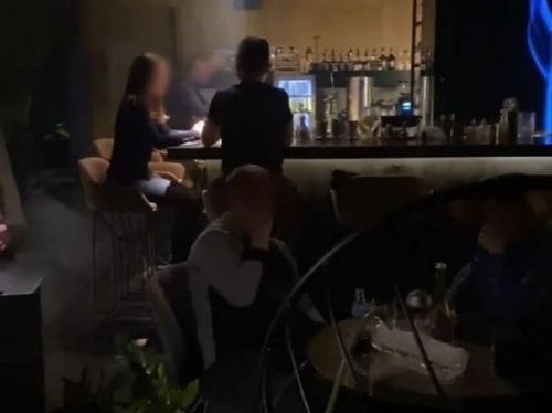 Photo of Нарушали карантин: в Киеве патрульные закрыли ресторан