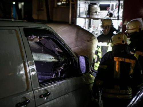 Photo of В Киеве за ночь четыре раза горели автомобили
