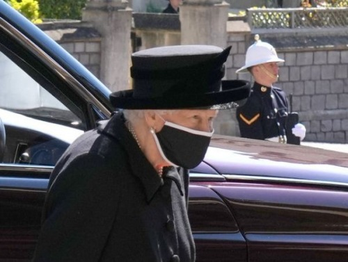Photo of В Великобритании прошли похороны принца Филиппа: каким было прощание