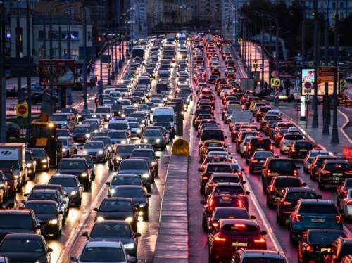 Photo of Накануне пасхальных праздников и завершения локдауна Киев «сковали» пробки
