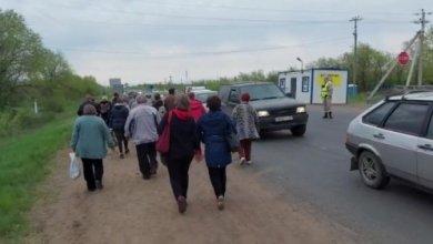 Photo of Уральцев обманули, пообещав автобусы до кладбища