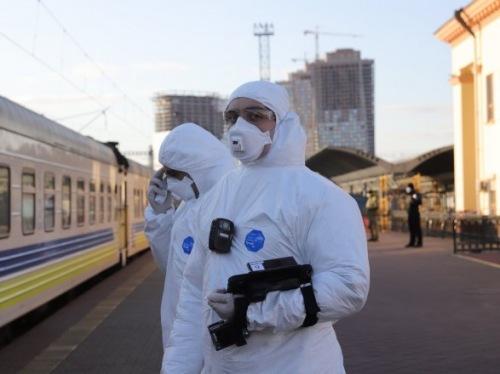 Photo of В Киеве за сутки коронавирус обнаружили у менее чем ста человек, 23 человека умерли