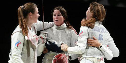 Photo of Российские рапиристки завоевали золото в командном турнире