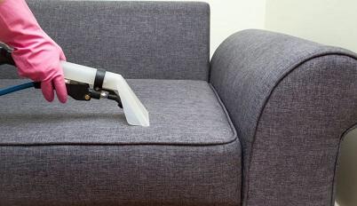 Photo of В каких ситуациях нужно заказывать химчистку дивана?
