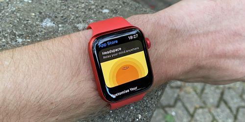 Photo of В часах Apple обнаружили таинственный передатчик