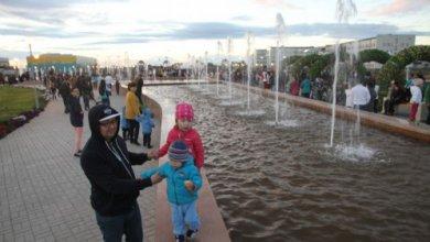 Photo of Родителей школьниц наказали за испорченные скамейки на площади Назарбаева